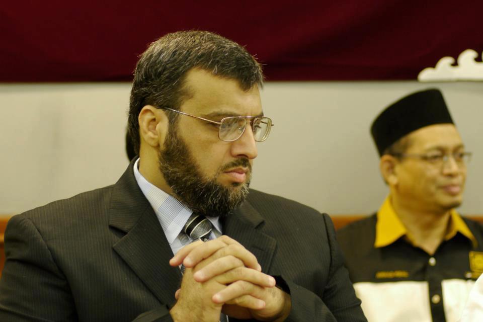 الأستاذ خالد باكير