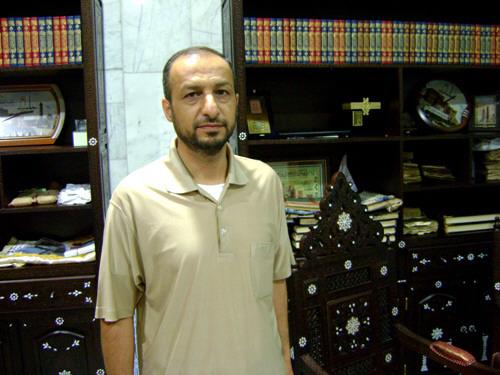 د. محمود مصري وعشق للتراث والمخطوطات